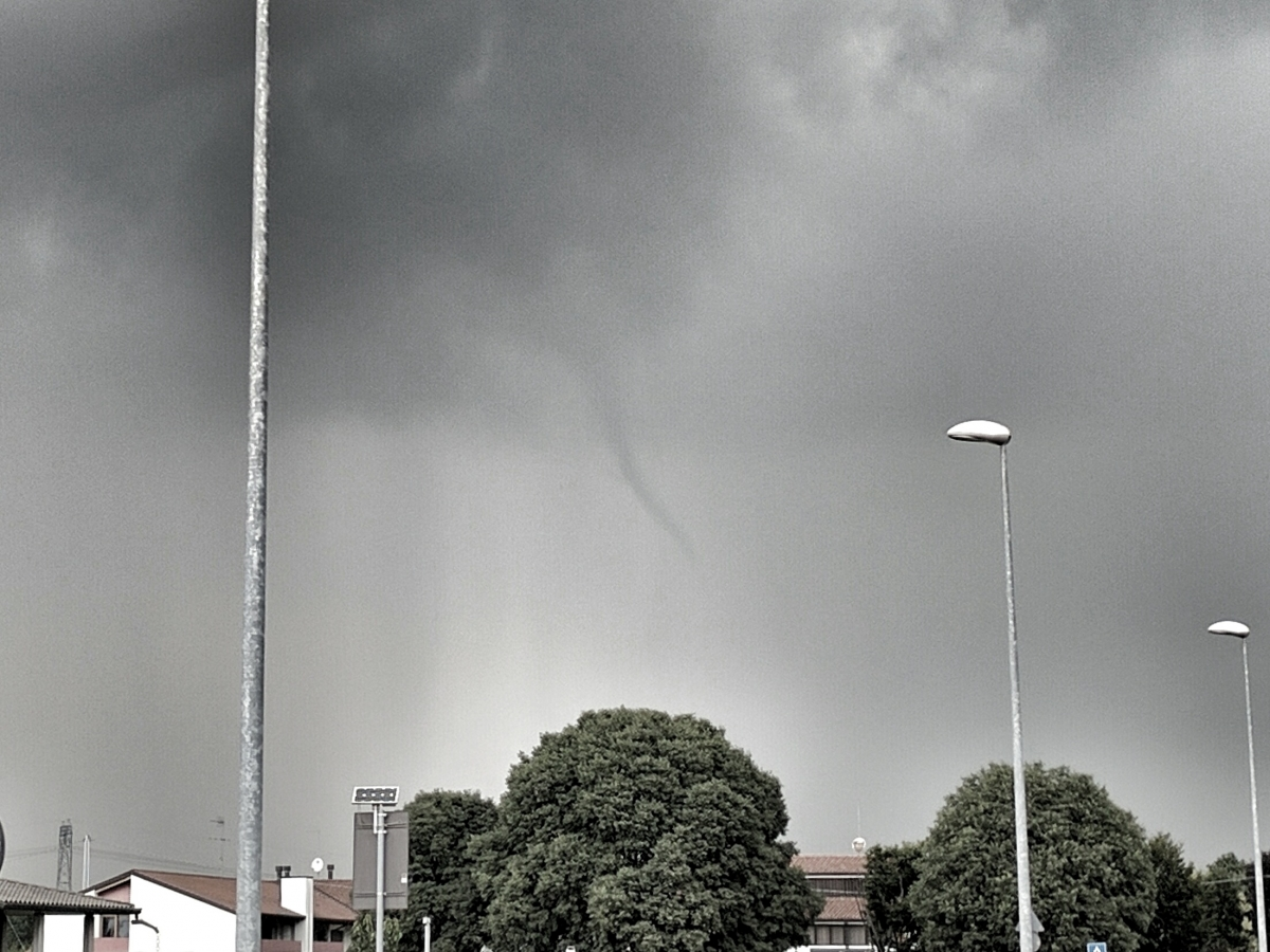 Funnel cloud a Godego | 11.06.2016